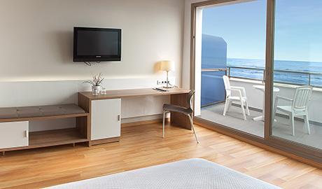 Habitaciones hotel rh bayren spa gand a habitaciones for Hotel habitacion familiar valencia
